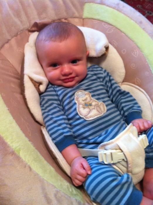 Cruz Happy in Bouncy Seat - 12 weeks old